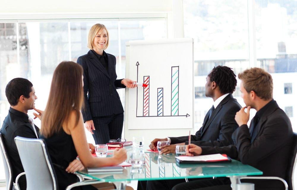 3-estrategias-para-melhorar-o-rendimento-de-sua-equipe-comercial-1000x640